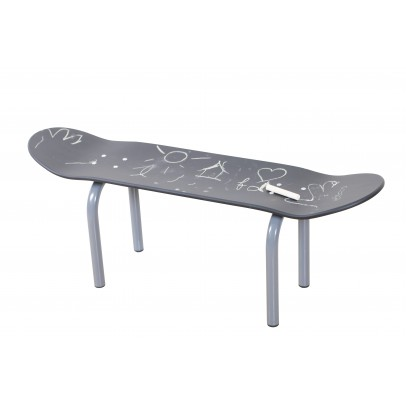 Skateboard Hocker Bank Schiefer
