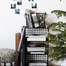House Doctor Bibliothèque avec panier de rangement en métal-product