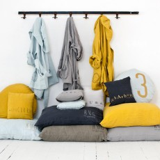 Bed and philosophy Coussin garni en lin lavé sérigraphié 80x80 cm-listing