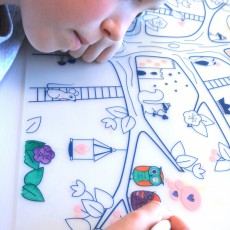 """Superpetit Coloring placemats with 5 felt pens and an """"The dessert with the green cactus"""" bracelet -listing"""