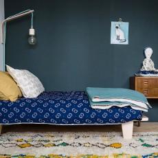Camomile London Couverture ouatinée bicolore brodée main-listing