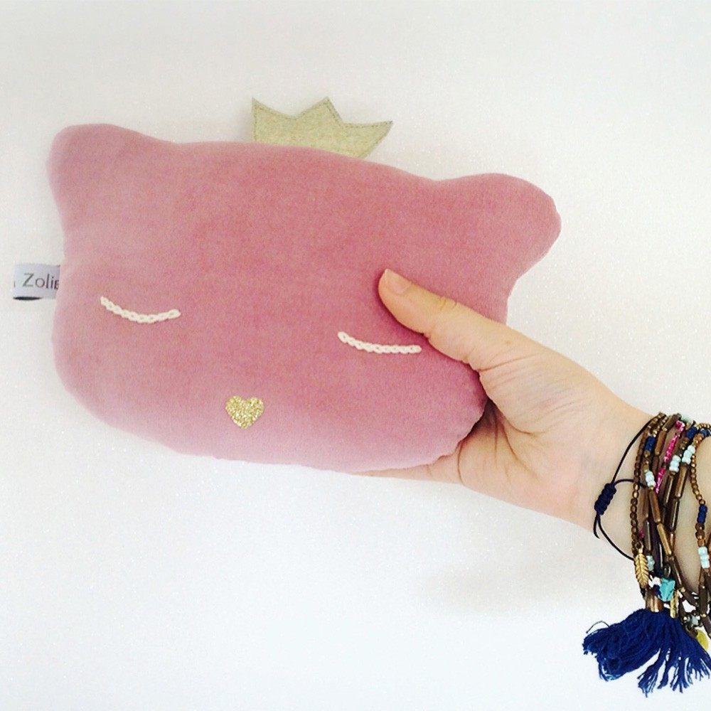 Caro & Zolie Cat Rattle Mini Cushion 24x16cm-product