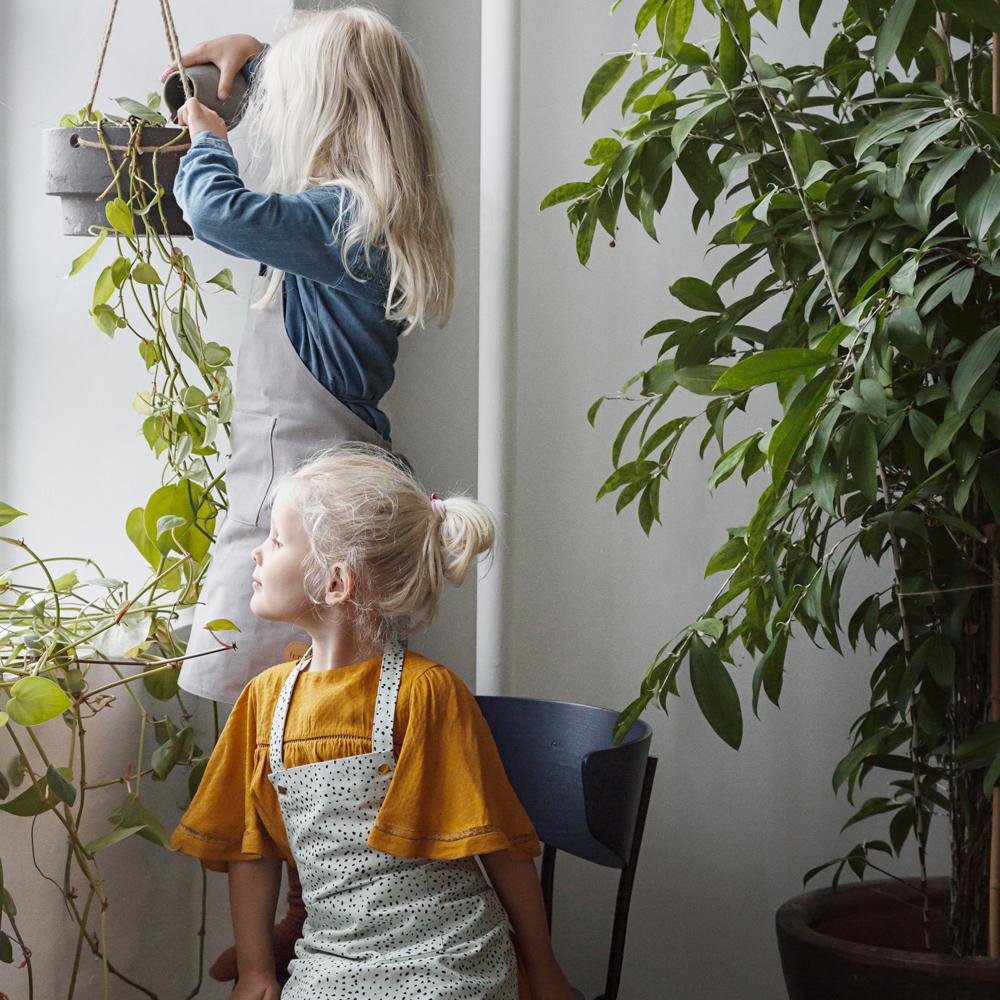 Delantal infantil lunares verde-product