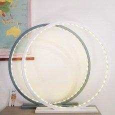 Comme un rayon de soleil Lampe à poser en bois brut avec LED - Oval room blue-listing