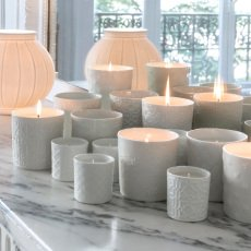 Alix D. Reynis Vela perfumada Happiness en porcelana - 50hrs -listing