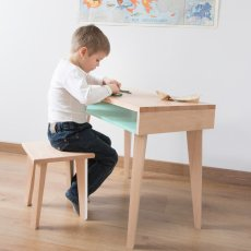Paulette et Sacha Trait d'Union Desk-listing