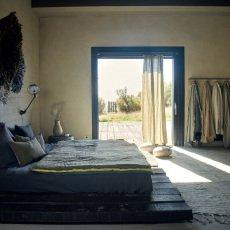 Maison de vacances Wild Rose Washed Linen Vice Versa Cocoon Quilt-listing