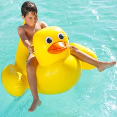 Sunnylife Inflatable Duck Bath-listing