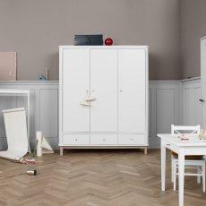Oliver Furniture Armoire 3 portes en chêne-product