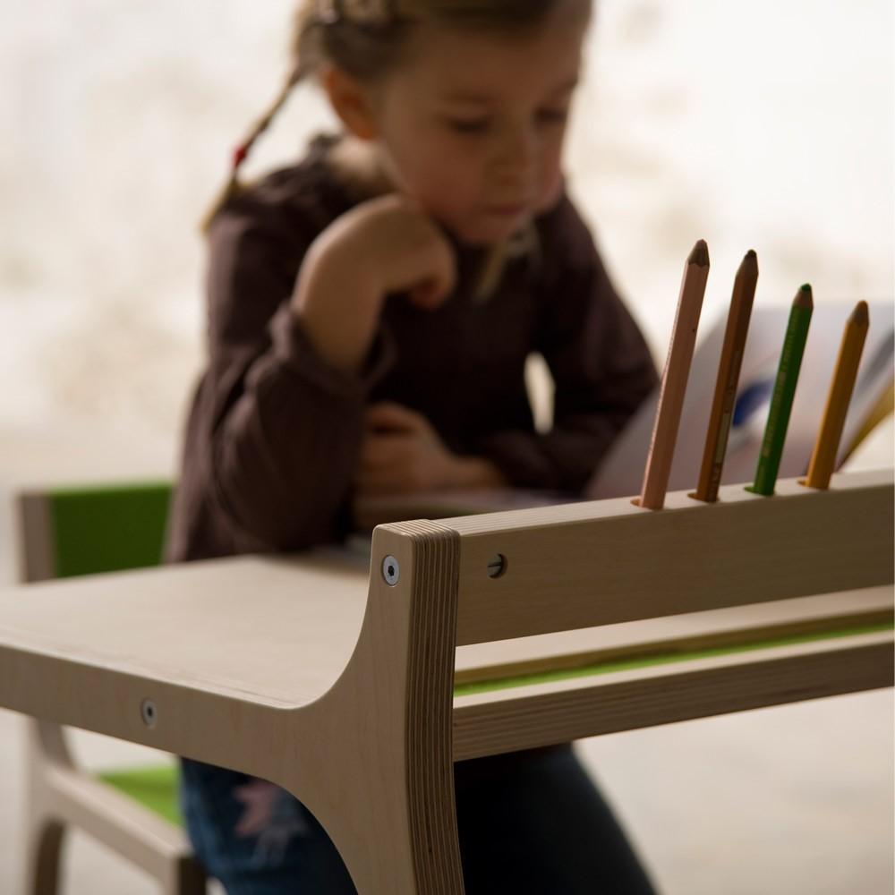 schreibtisch aus holz und filz grau sirch design kind. Black Bedroom Furniture Sets. Home Design Ideas