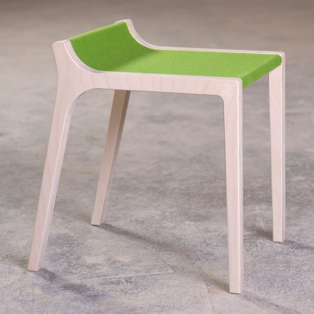tabouret xarre en bois et feutre gris gris sirch design enfant. Black Bedroom Furniture Sets. Home Design Ideas