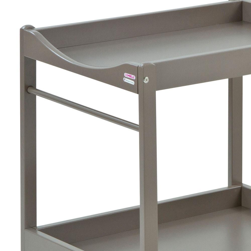 table langer laqu taupe combelle design b b. Black Bedroom Furniture Sets. Home Design Ideas