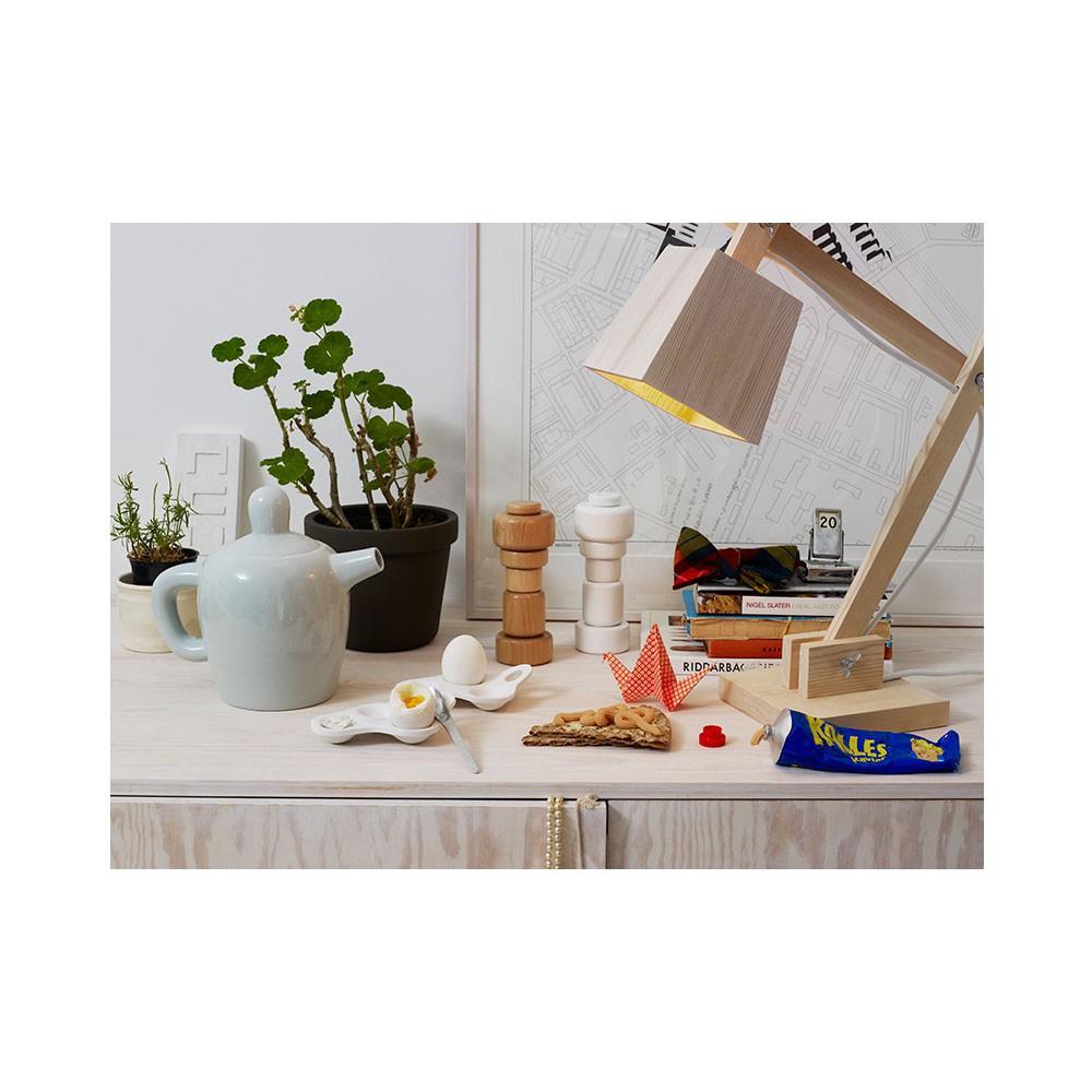holz schreibtisch lampe wei muuto design kind. Black Bedroom Furniture Sets. Home Design Ideas