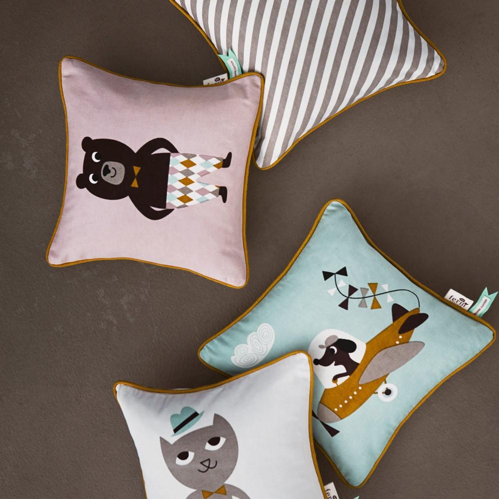coussin avion ferm living design enfant. Black Bedroom Furniture Sets. Home Design Ideas