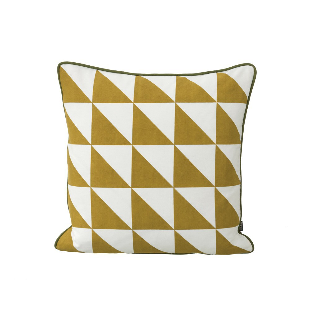 coussin large geometry jaune moutarde 50x50 cm ferm living. Black Bedroom Furniture Sets. Home Design Ideas