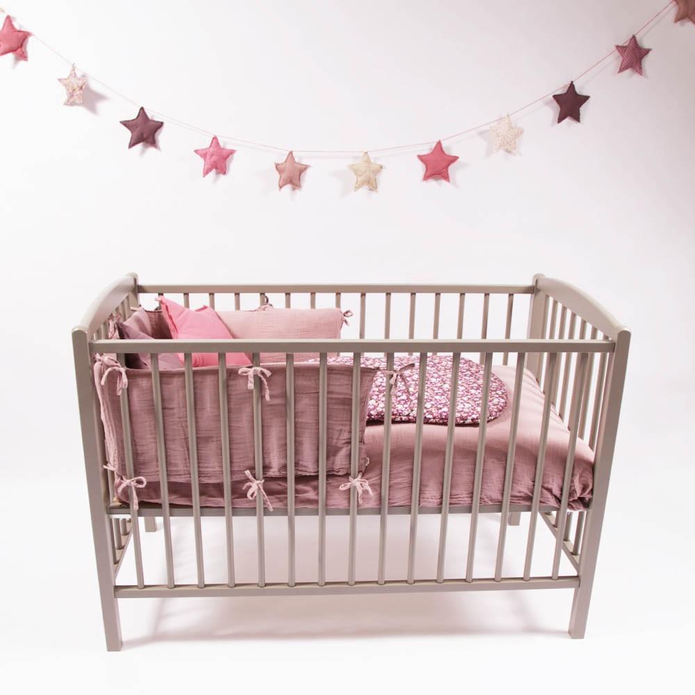 babybett 60x120 cm lackiert hellgrau grau combelle design baby. Black Bedroom Furniture Sets. Home Design Ideas