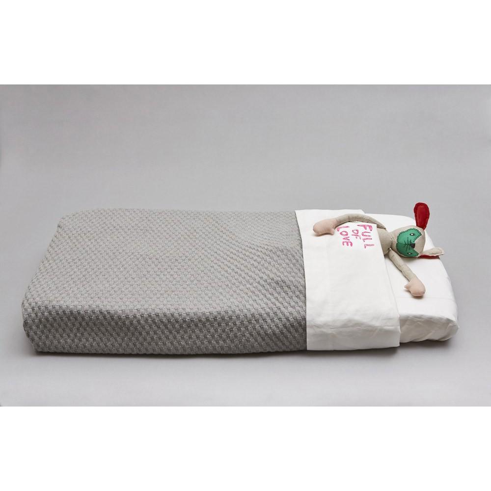 drap plat blanc rose brod full of love imps elfs design. Black Bedroom Furniture Sets. Home Design Ideas