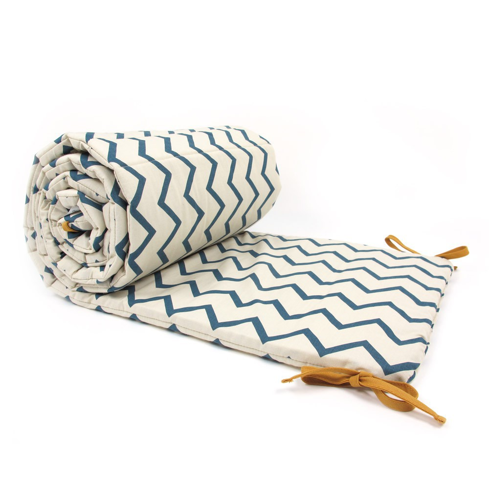 tour de lit constantinople zig zag bleu nobodinoz design b b. Black Bedroom Furniture Sets. Home Design Ideas