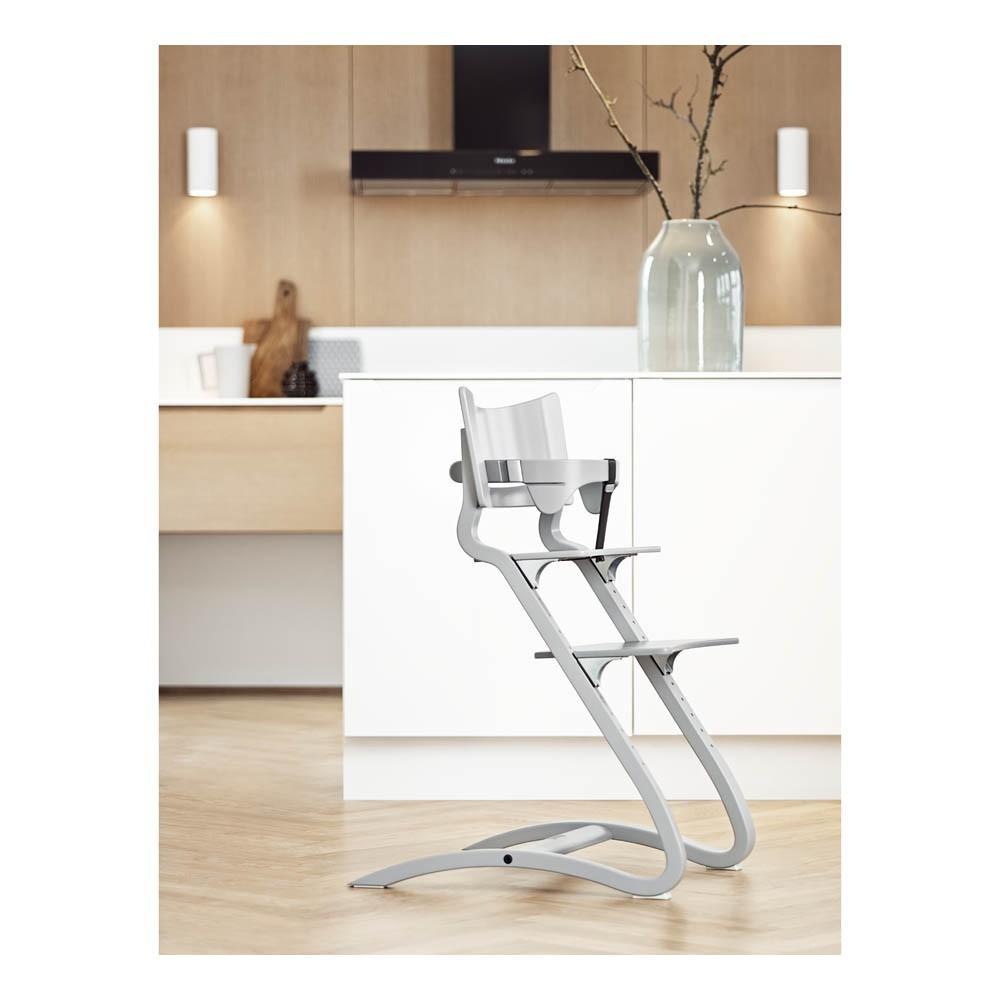 chaise haute avec arceau gris leander design b b. Black Bedroom Furniture Sets. Home Design Ideas