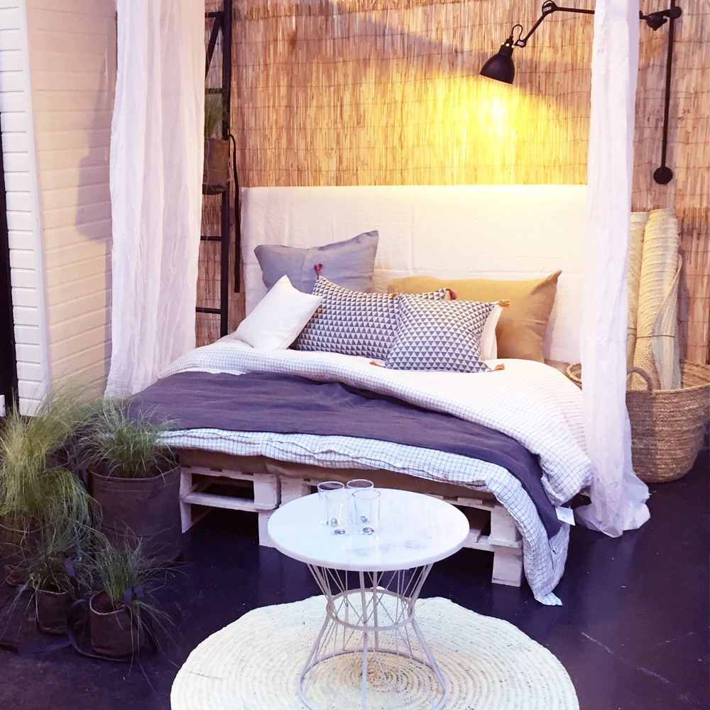nappe en lin lav carreaux blanc noir blanc linge particulier. Black Bedroom Furniture Sets. Home Design Ideas
