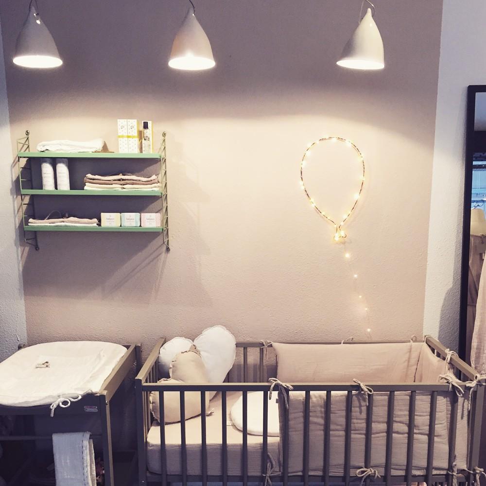lit b b 60x120 cm r mi laqu blanc combelle design b b. Black Bedroom Furniture Sets. Home Design Ideas