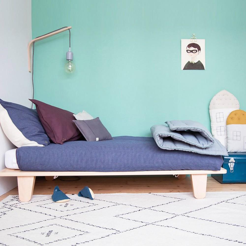 couverture matelass e brod e main bleu camomile london design. Black Bedroom Furniture Sets. Home Design Ideas