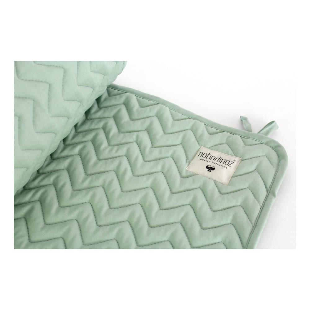 tour de lit alexandria vert amande nobodinoz design b b. Black Bedroom Furniture Sets. Home Design Ideas