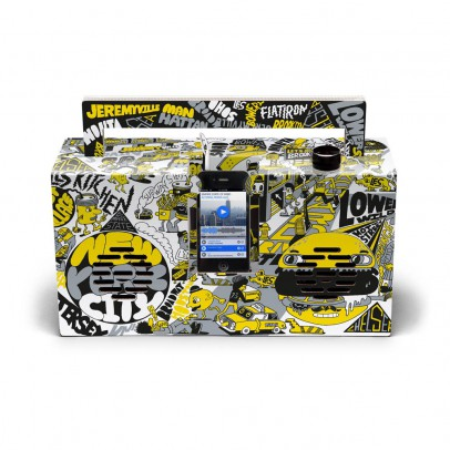 Berlin Boombox Enceinte façon Ghetto blaster 3.0 avec port USB Artist edition by Jeremyville-listing