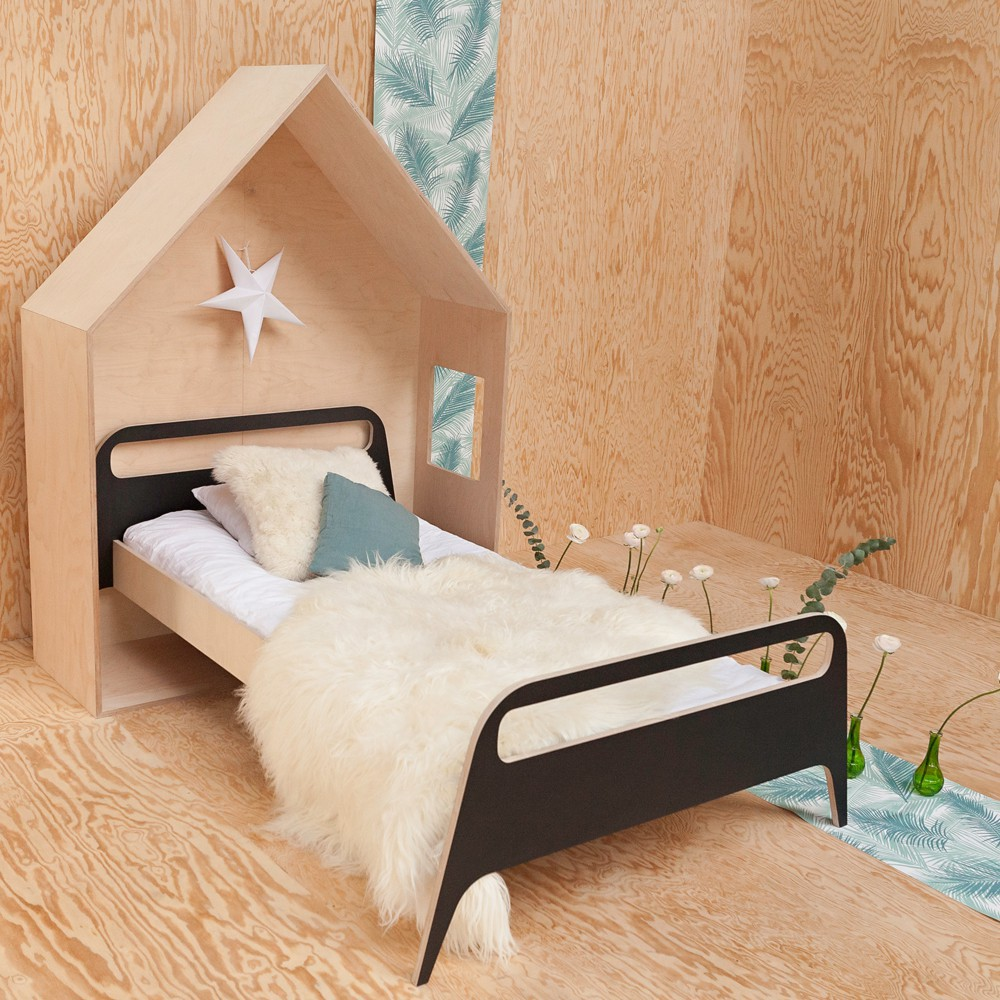 t te de lit cabane naturel blomkal design enfant. Black Bedroom Furniture Sets. Home Design Ideas