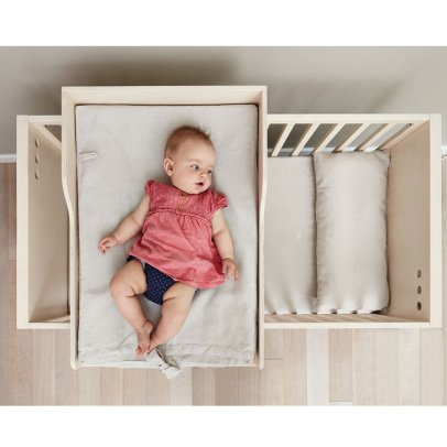 Kutikai Peekaboo Changing Table-listing