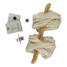 product-Peace and Wool Kit Diy Tricot Blanc Bonnet & Bonnet Blanc
