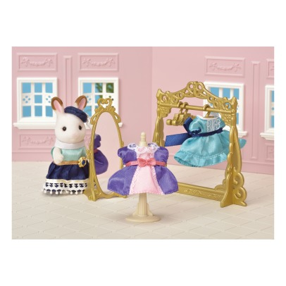 Sylvanian Boutique Fashion Set -listing